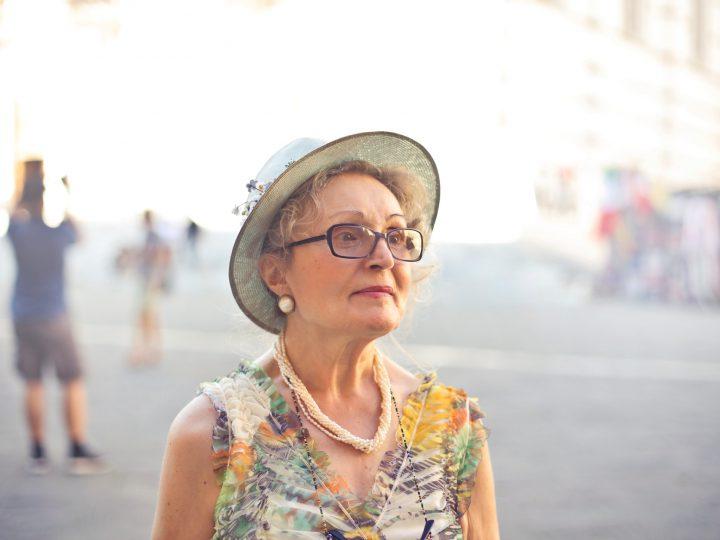 Anziana italiana in Spagna