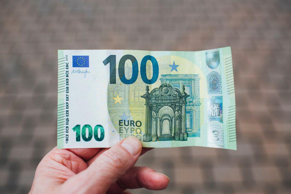 DECRETO AGOSTO: A CHI SPETTA IL BONUS COVID DA 600 E 1000 EURO