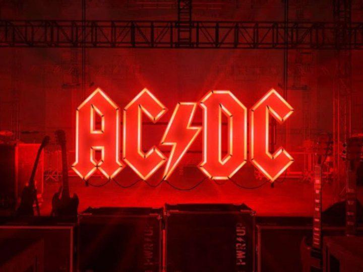 GLI AC/DC TORNANO CON IL SINGOLO REALIZE