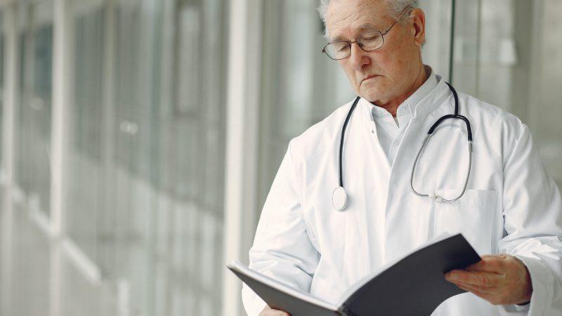 INPS: CHIARIMENTI SU VACCINAZIONI E INCARICHI A MEDICI PENSIONATI